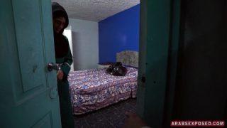 Desperate Arab Woman Fucks For Money (xc15326)